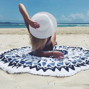 Karake Round Radiate Beach Towel