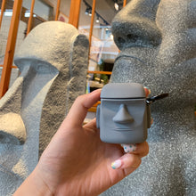 Laden Sie das Bild in den Galerie-Viewer, AirPods 1/2 Case Moai (DumDum) Design