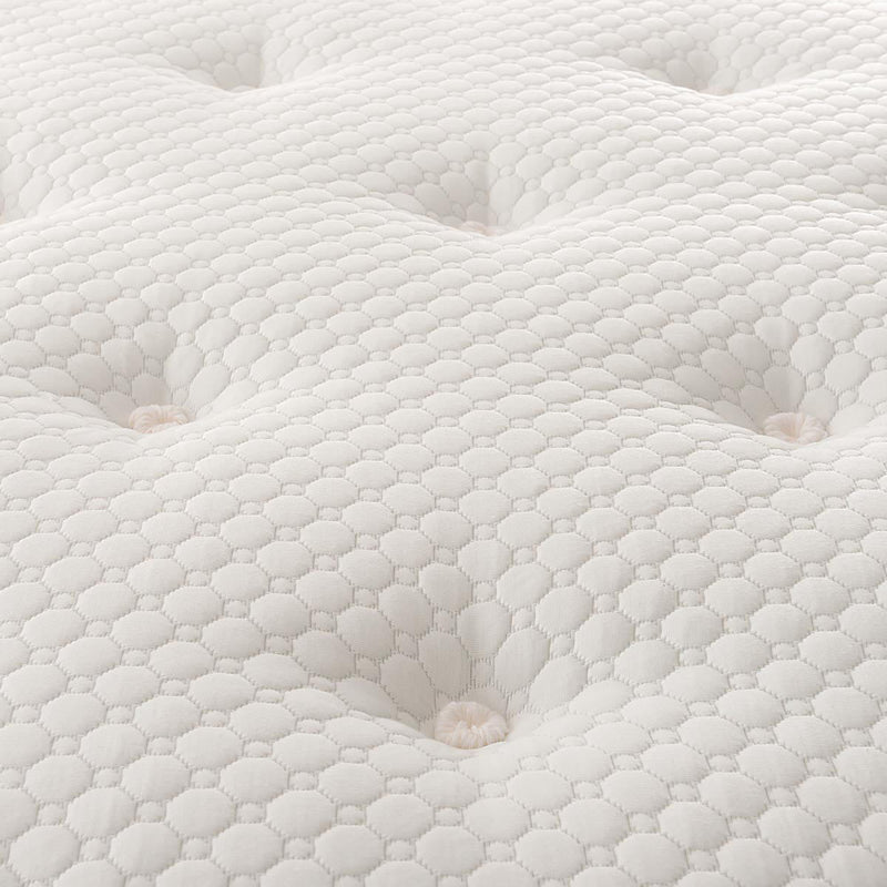 Silentnight Geltex 1000 Mattress - Super King Geltex® Comfort Layer and Pocket Springs  - Features gel infused foam for superior breathability   - Hypoallergenic