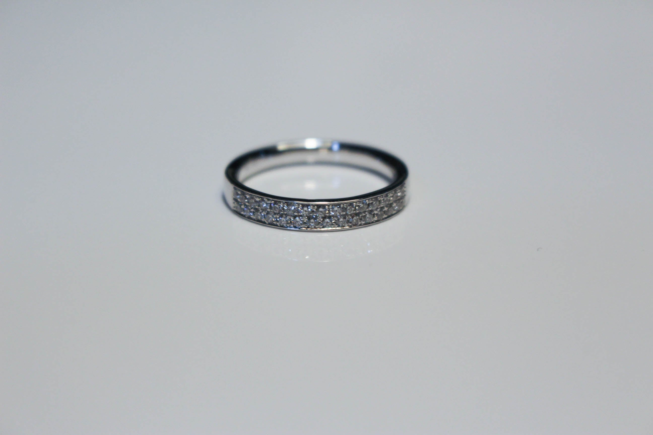 DOUBLE ROW WHITE GOLD BAND