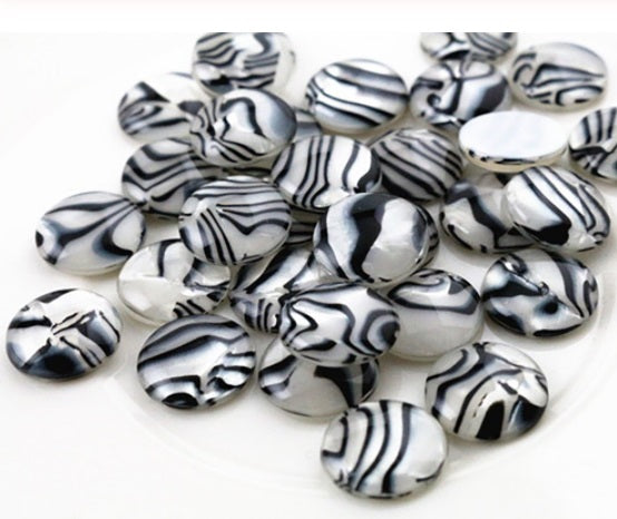 Resin 12mm Zebra/Shell Cabochon