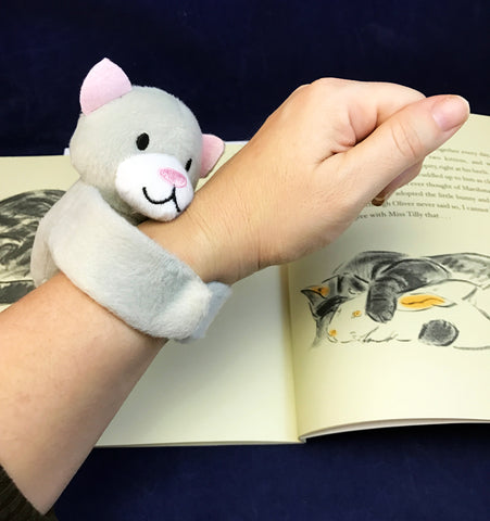 Hugging Cat to go along with book Marshmallow by Clare Turlay Newberry