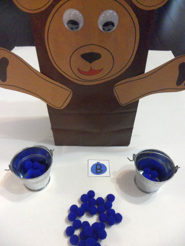 Paper bag bears - Blueberries For Sal by Robert McCloskey - Ivy Kids subscription box activities.