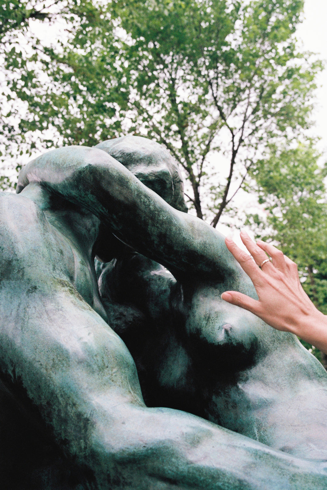 Mahala Nuuk - The Kiss by Rodin, Paris