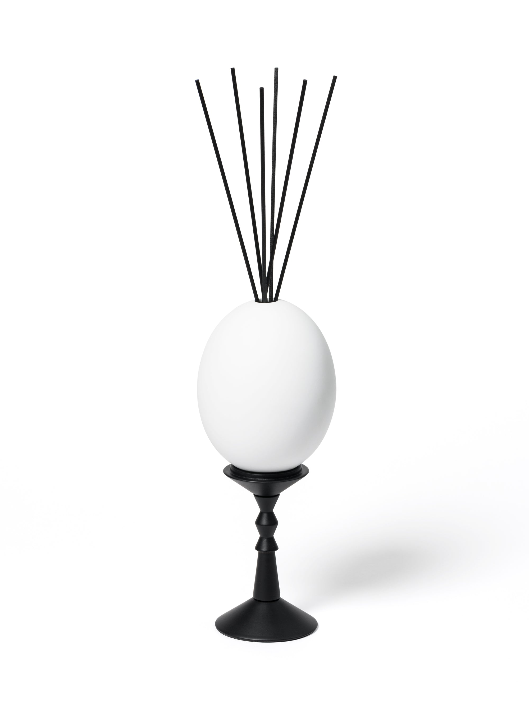 L'OEuf Egg Diffuser Cyrnos from Cire Trudon