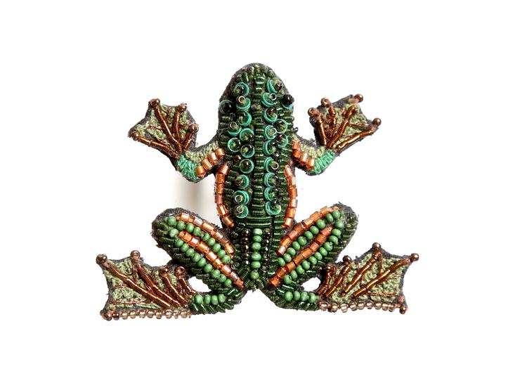 Tree Frog Beaded Brooch
