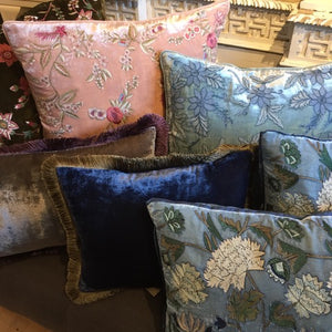 Bleu de Prusse Pillow