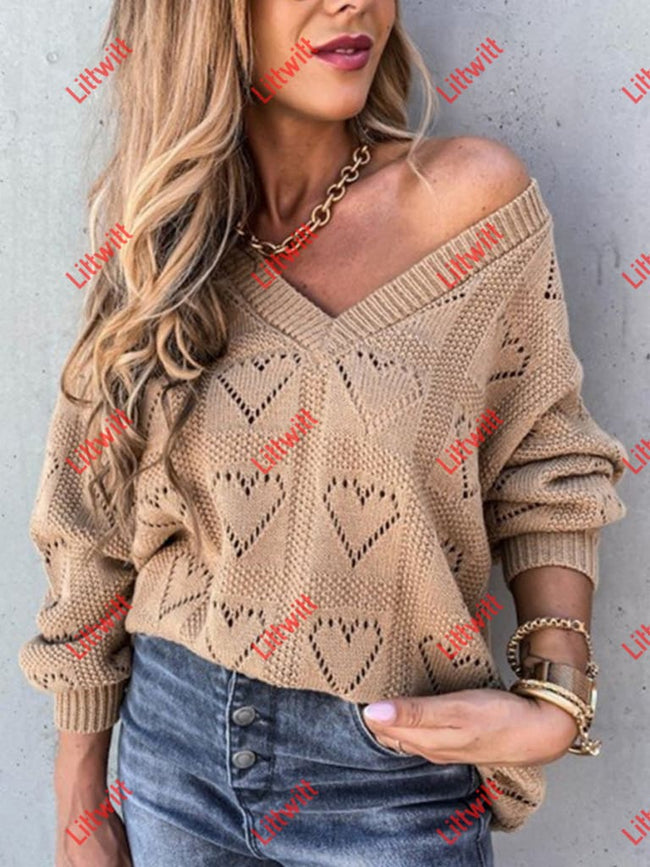 Heart-Shaped Loose Knit Sweater Khaki / S