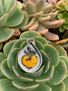 Santa Sabina Amber heart necklace