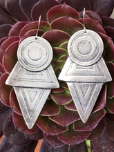 Load image into Gallery viewer, Coyolxauhqui's earrings. XL