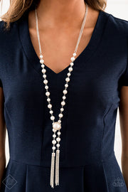 Vintage Diva Long Pearl Necklace