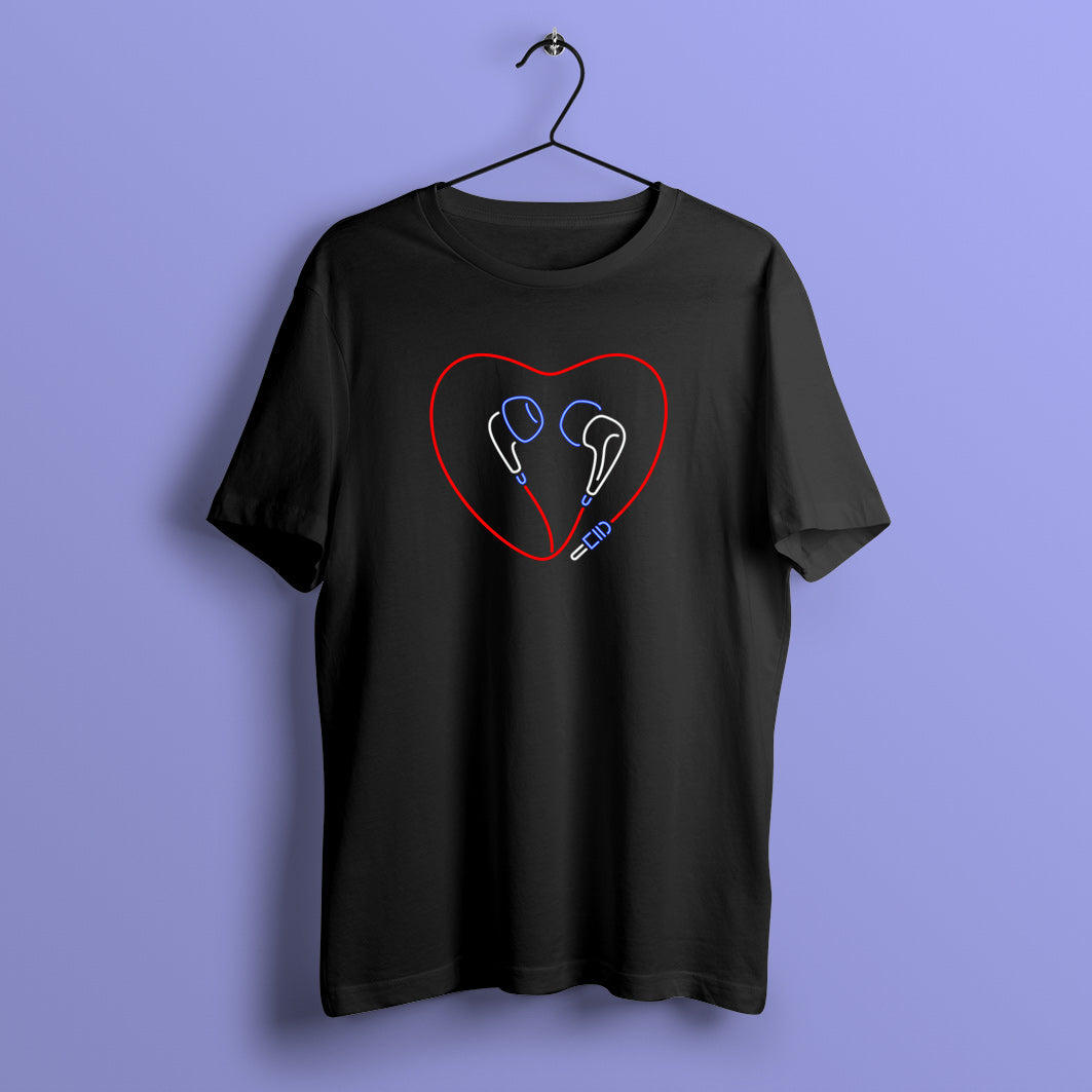 Heart Earphones T-Shirt