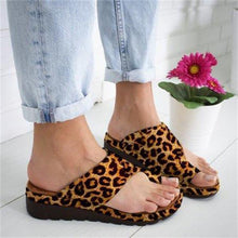 Load image into Gallery viewer, 🔥2020 Hot Only $19.99 Today 🔥Women Comfy Platform Sandal Shoes