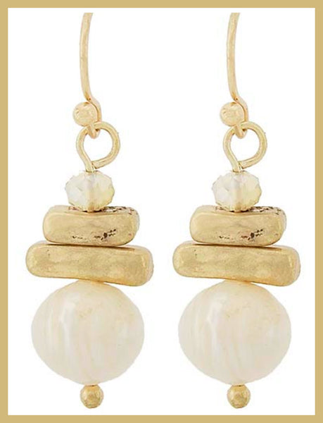 Matte Gold & Freshwater Pearl Earrings