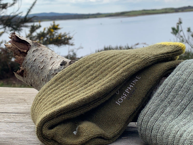 Men's Cashmere Socks – Lovat Green with Gorse Detail