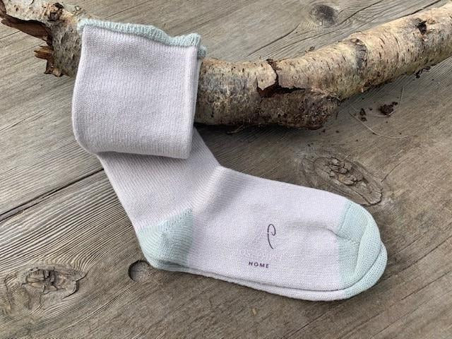 Women's Cashmere Socks – Cloud with Mist detail