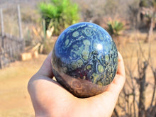 Load image into Gallery viewer, Stromatolite Fossil Sphere otal Weight 1.075kg. Good Grade