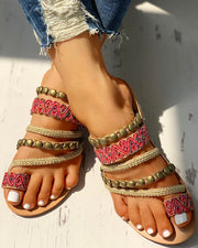 Ethnic Rivet Design Toe Ring Flat Sandals