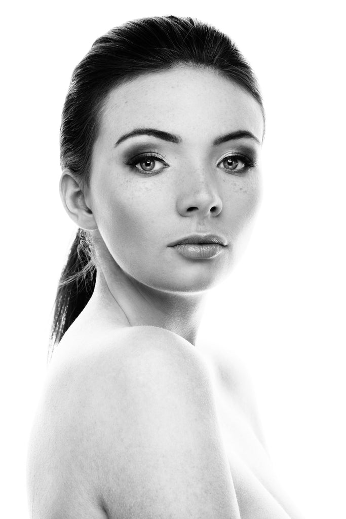 Black and white makeup photography look