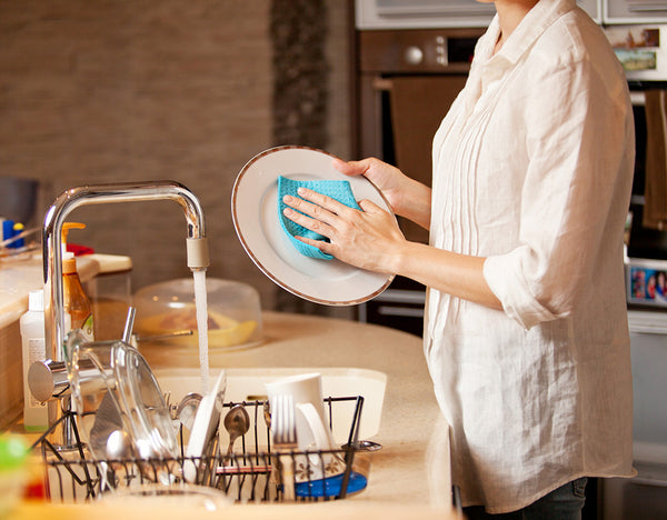3 Natural Ways for Cleaning Kitchen Utensils