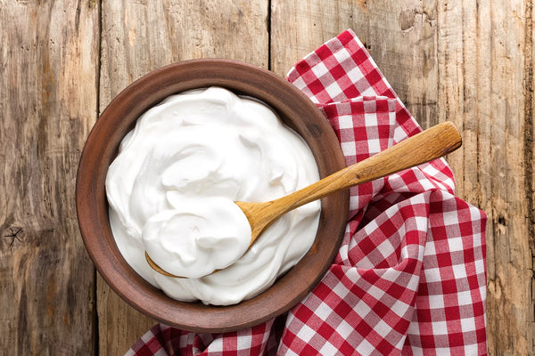 7 Amazing Benefits of Curd (Yogurt ) for Hair