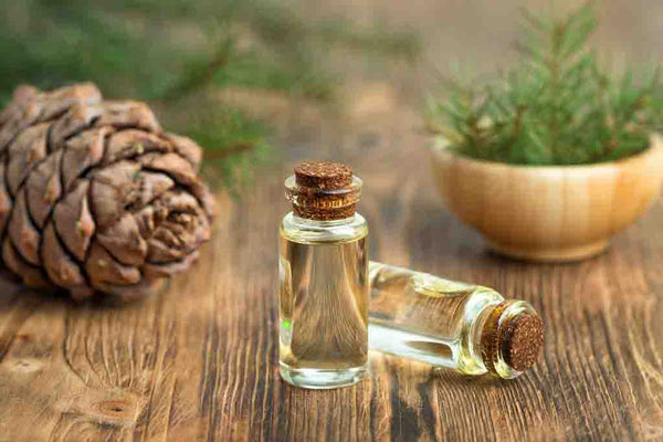 Cedarwood-essential-oil-for-allergie