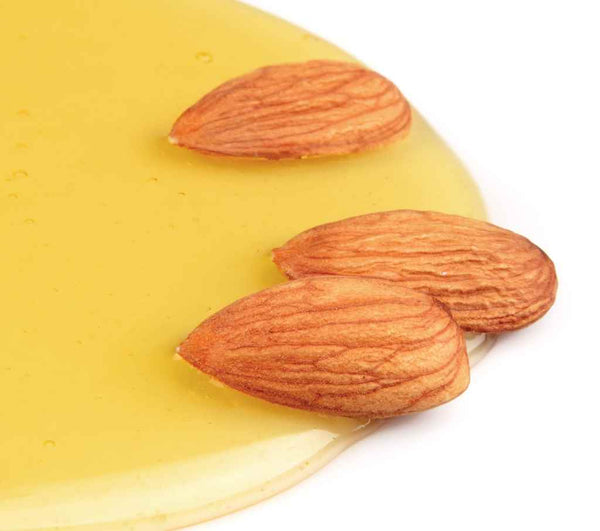 DIY-for-lip-with-almond-oil-and-honey_90964454
