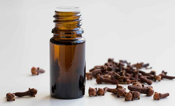 benefits-of-clove-oil-to-treat-acne