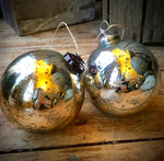 Load image into Gallery viewer, Vintage Glass Etched Snowflake Baubles - Silver/Gold