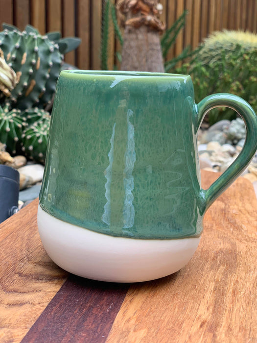 Mxox Emerald White Angle Mug with Handle