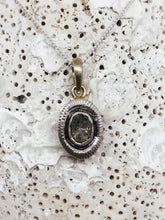 Load image into Gallery viewer, Sarasa Diamond Pendant