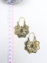 Load image into Gallery viewer, Flower Mandala Brass Hoop Earrings