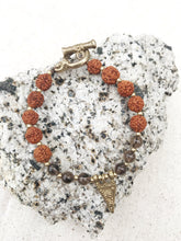 Load image into Gallery viewer, SOUTH Rudraksha Healing Crystal Bracelet