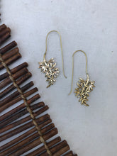 Load image into Gallery viewer, Hanging Leaves Brass Earrings