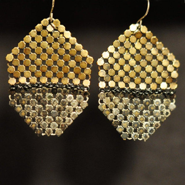 Horizon Line Earrings - Rustic Mesh