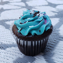 Load image into Gallery viewer, Famous OMG Cupcakes!