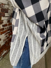 Load image into Gallery viewer, Flowy poncho pullover