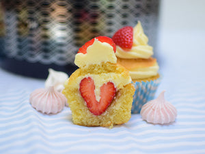 Strawberry and champagne picnic cupcakes
