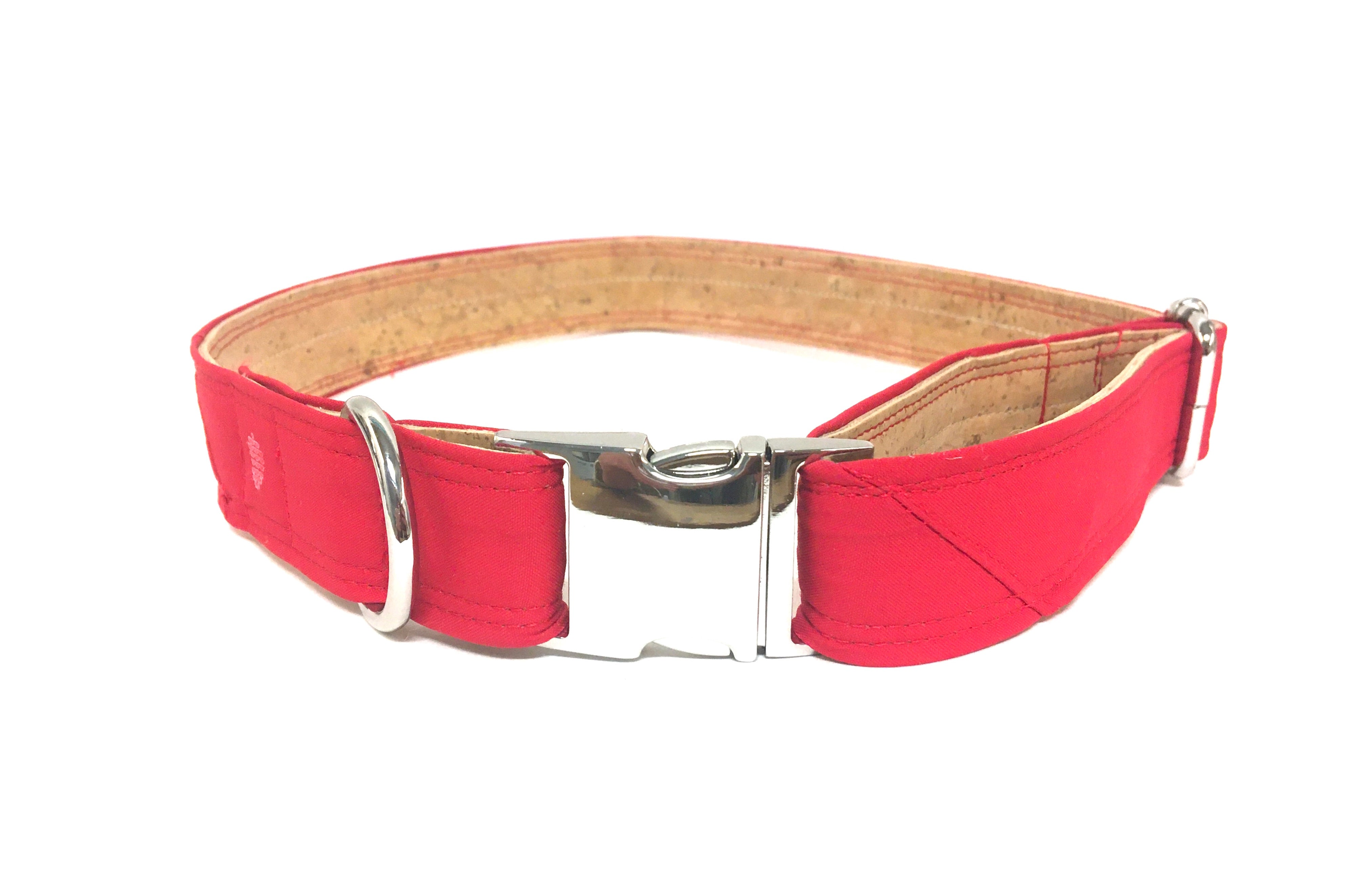 Eco-Friendly Cork & Gore-Tex Collar ™
