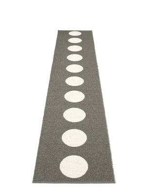 Pappelina Vera Charcoal Runner Rug, - Cloudberry Living