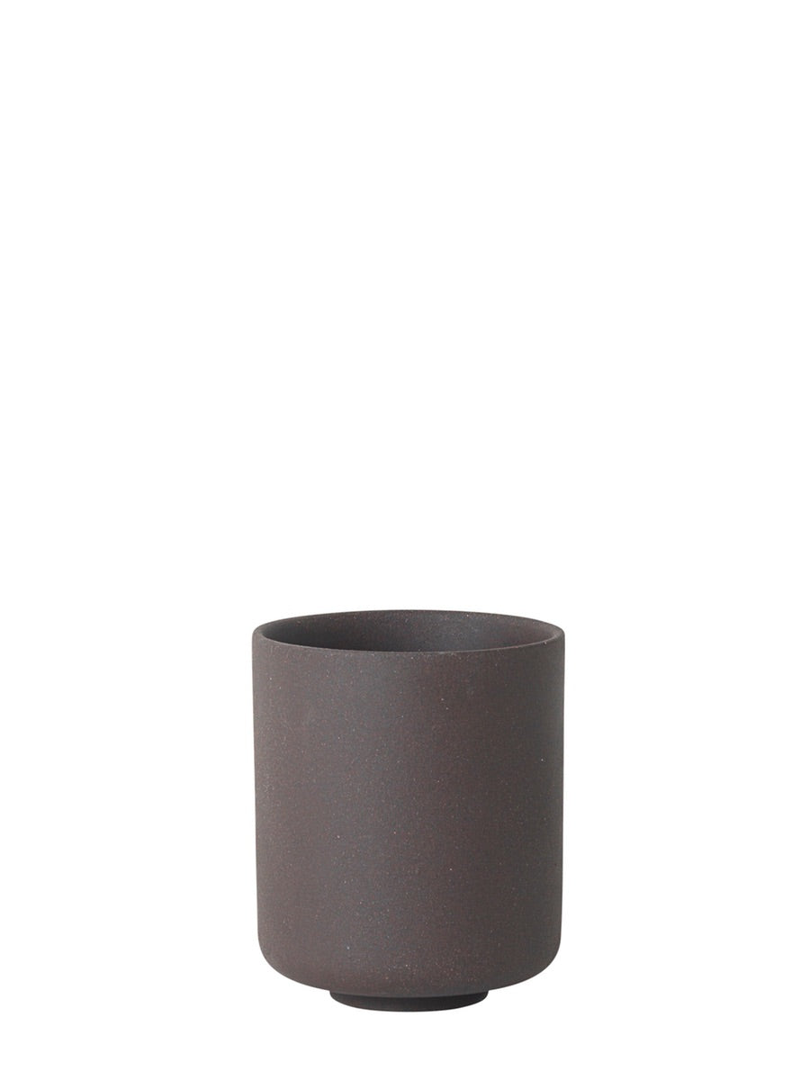 Ferm Living Sekki Cup Large Charcoal - Cloudberry Living