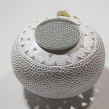 Load image into Gallery viewer, Medium Perforated Tyre Candlelight (White)