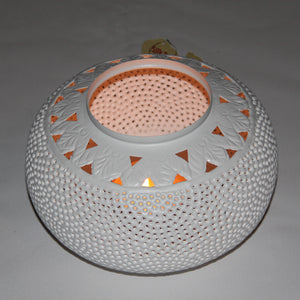 Medium Perforated Tyre Candlelight (White)