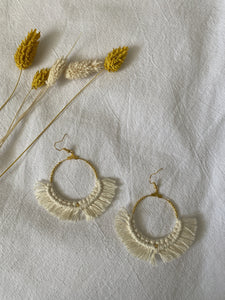 MACRAME BOUCLES D'OREILLES EN MACRAMÉ ( SUR DU METAL DORÉ ) - Crafty MCrame | Made from Craft