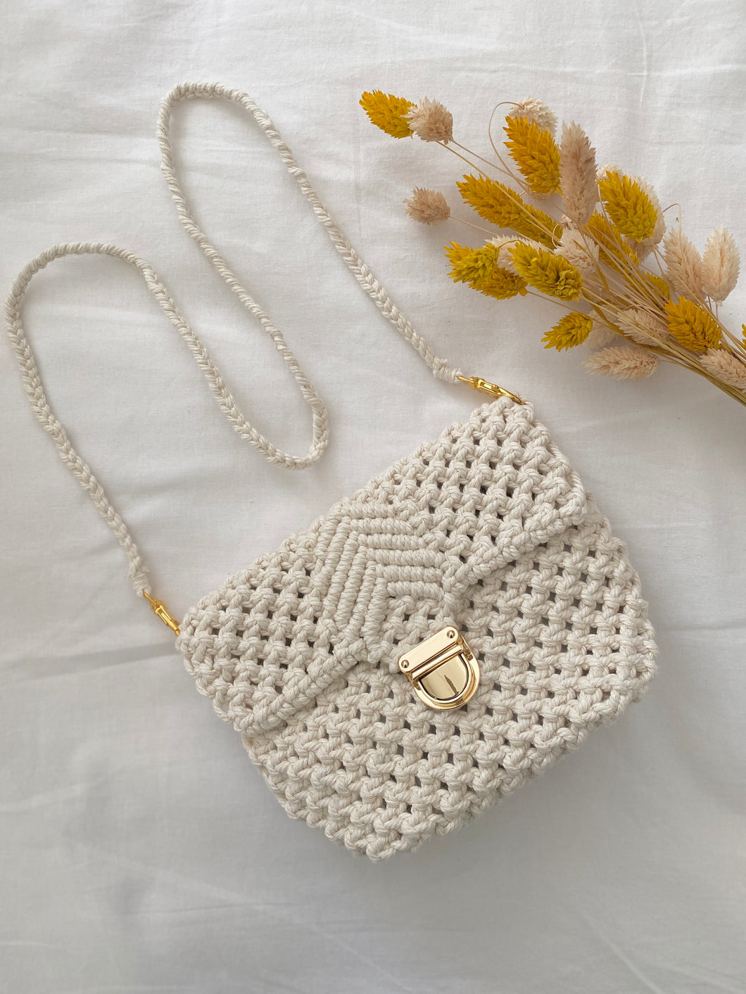 NOUVELLE COLLECTION : SAC EN MACRAMÉ ( EN OR ) - Crafty Mcramé