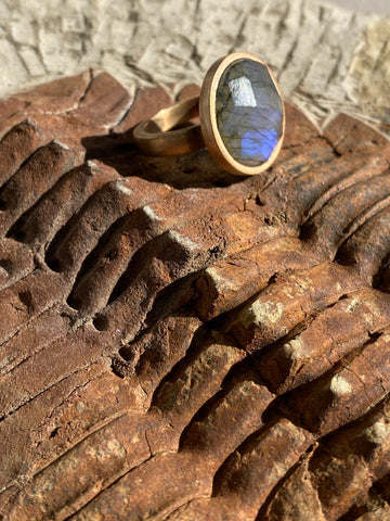 Sunset ring with labradorite