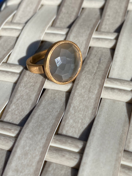 Sunset ring with moon stone