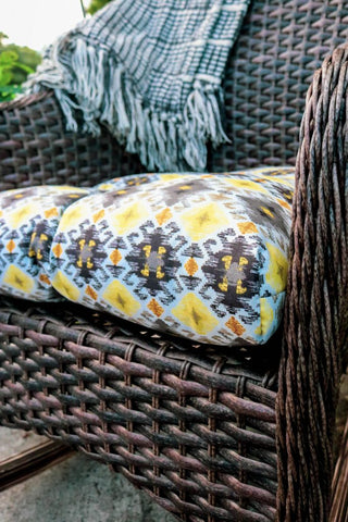 outdoor furniture, cushions, throws