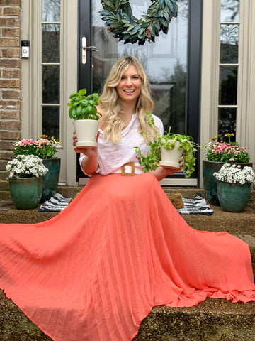 planters, outdoor living, spring décor, front porch inspiration