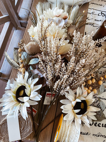 wreath, fall floral, DIY fall, front porch decorating